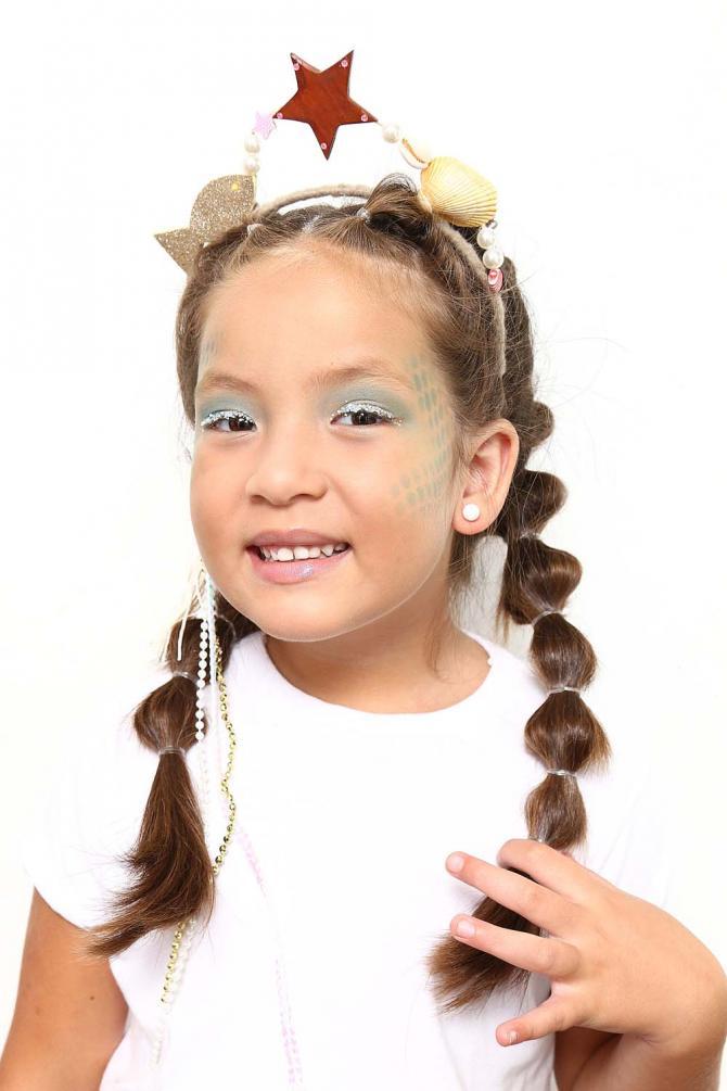Aprenda a fazer maquiagem infantil de sereia para o carnaval