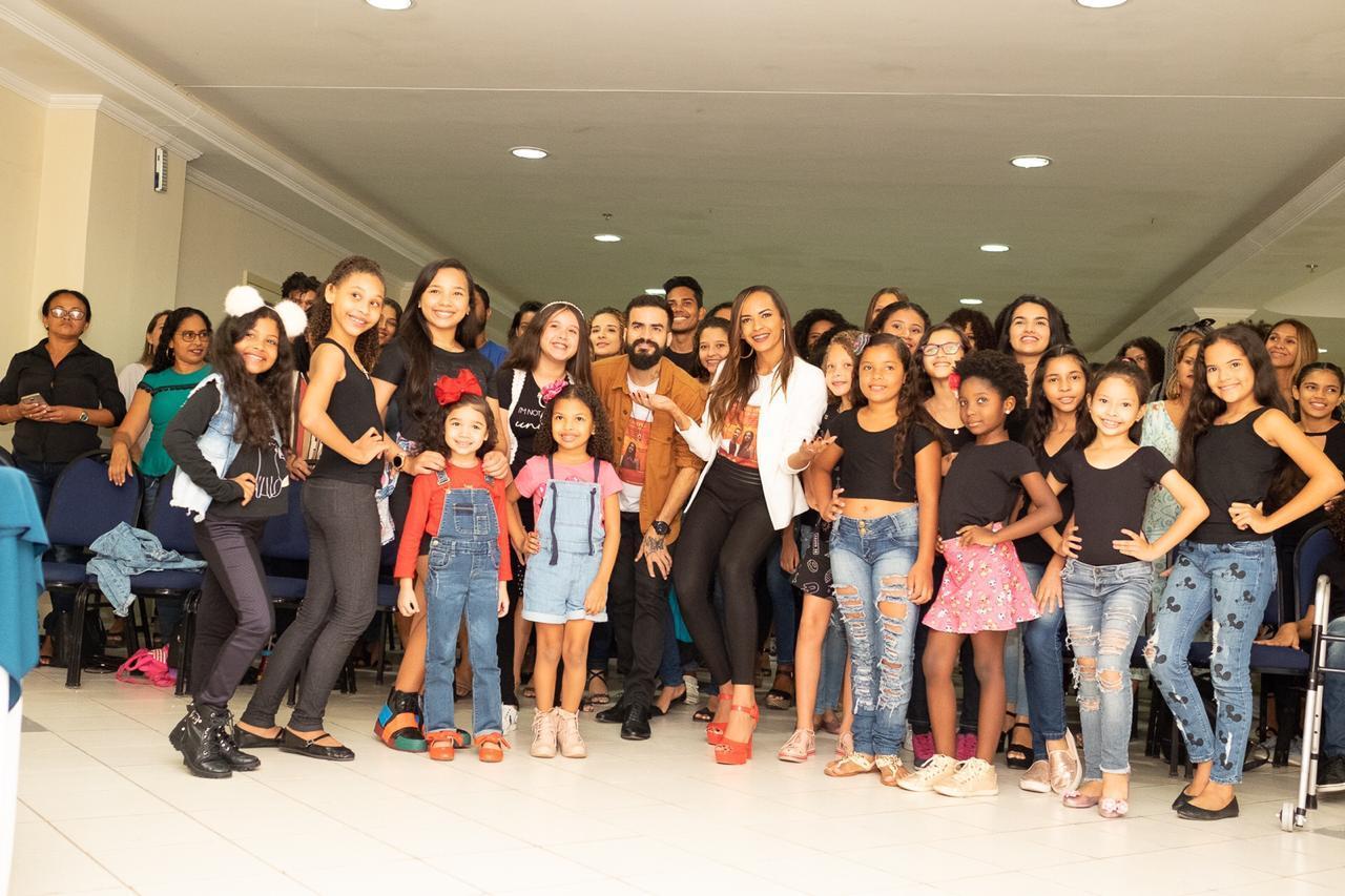 Atriz Valeria Cunha realiza workshop para quem sonha em ser modelo e ação social beneficente no Maranhão