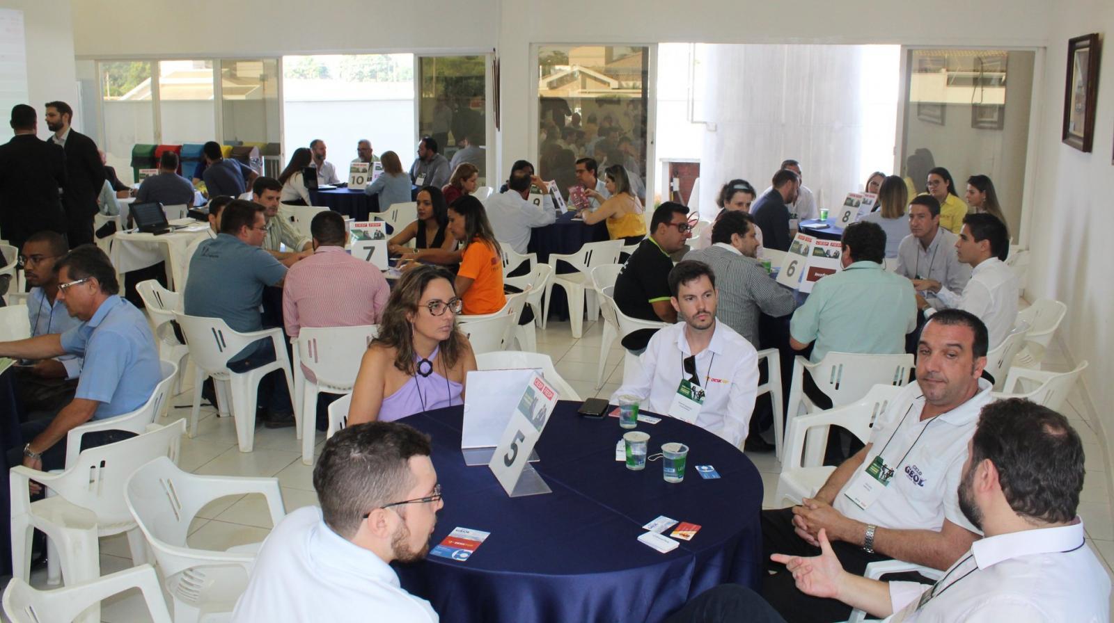 Empresários participam de encontro de negócios em Cordeirópolis