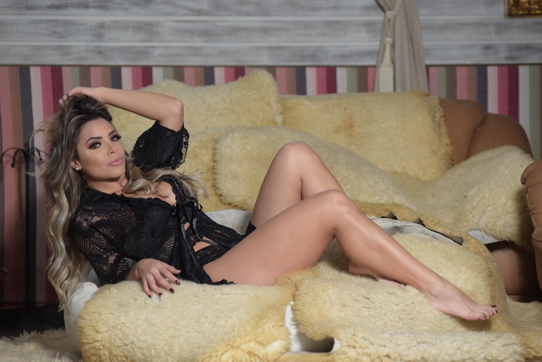 Qual a lingerie ideal para o dia dos namorados? Estilista responde