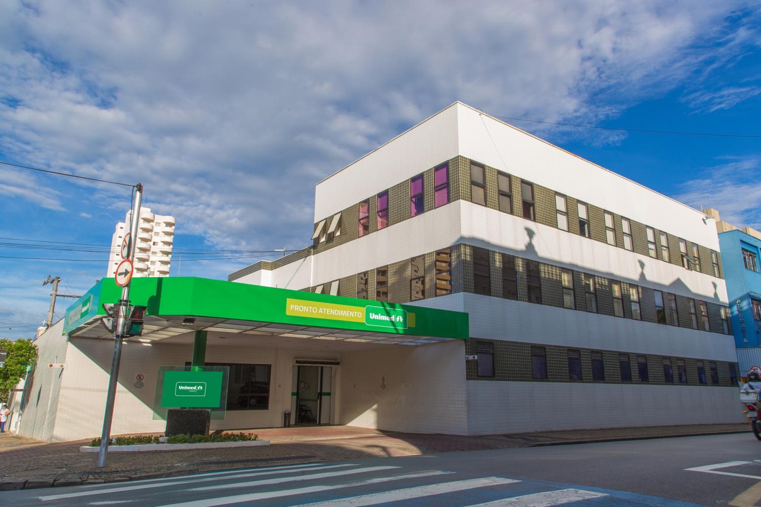 Obra altera entrada do P.A. do Hospital Unimed Limeira