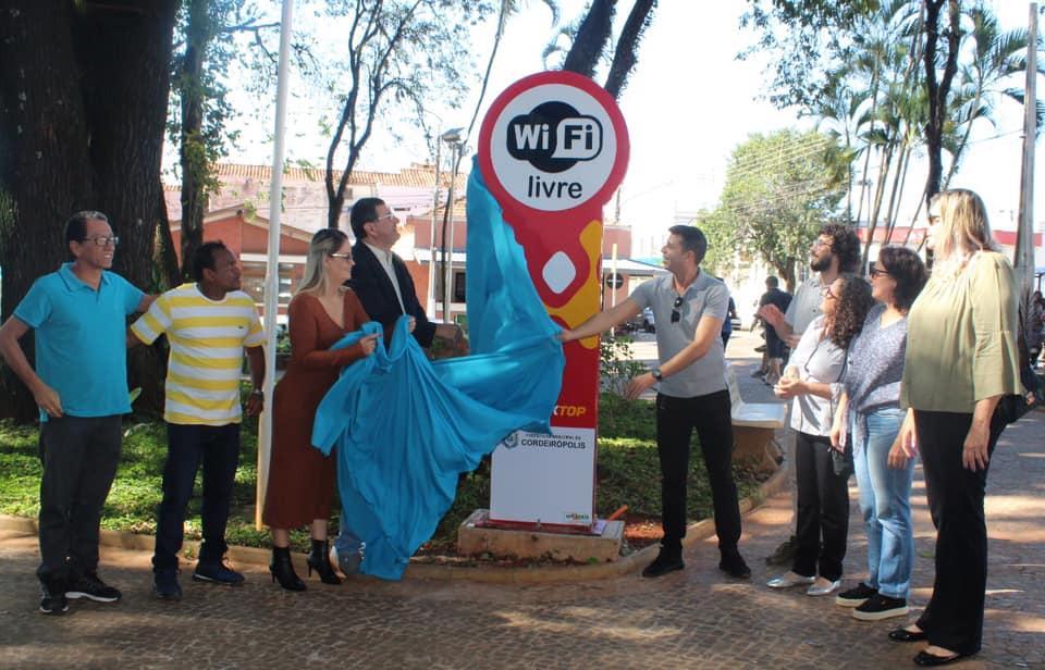 Prefeitura inaugura wi-fi gratuito na Praça Central de Cordeirópolis