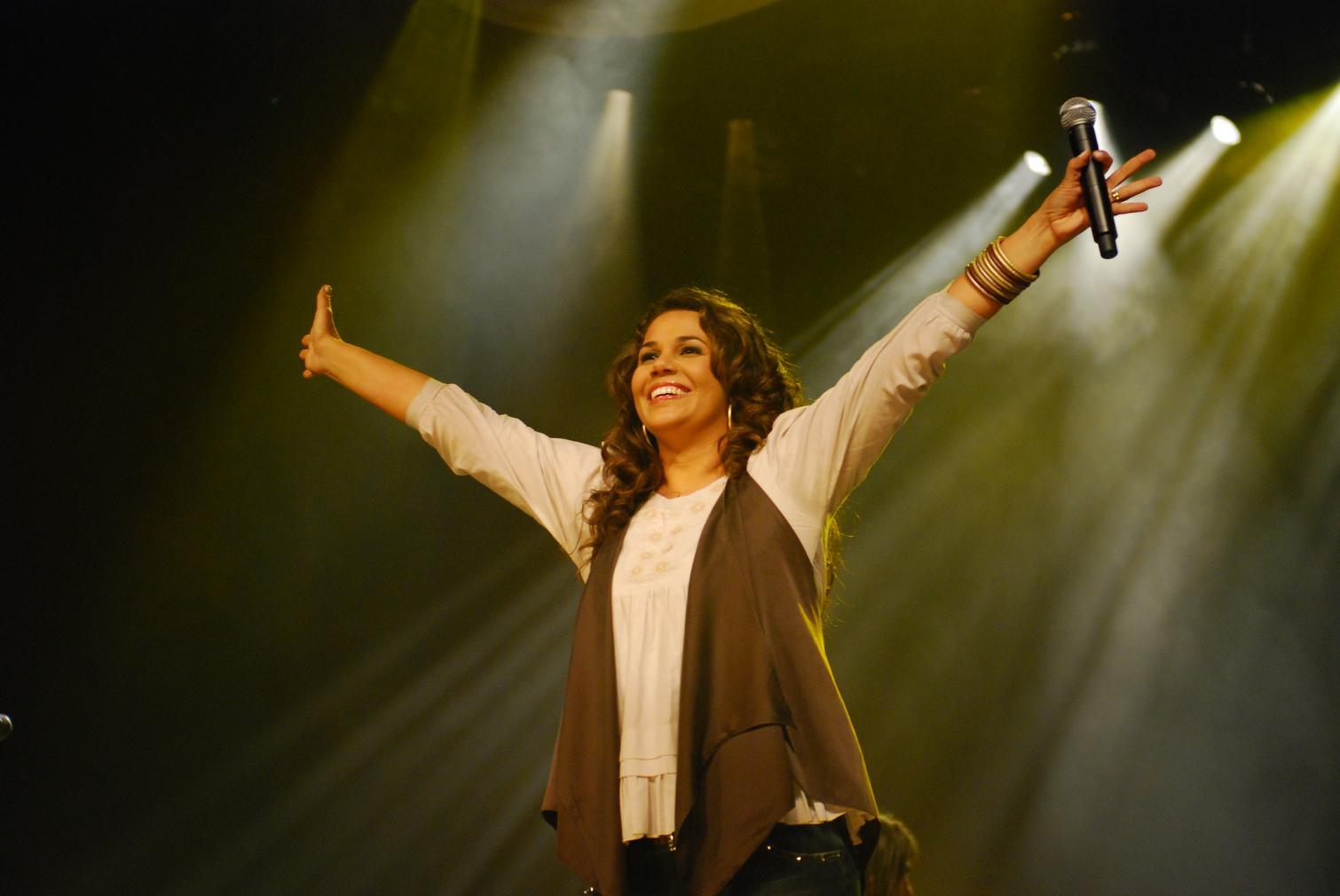 Cantora Eliana Ribeiro vai se apresentar em Cordeirópolis neste sábado
