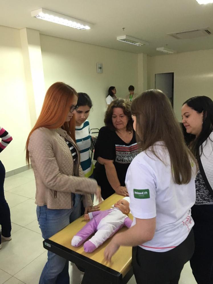 Professores do Acadêmico passam por treinamento de prevenção ao engasgo na Unimed