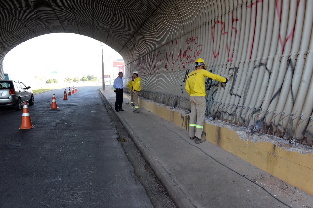 Reparos em viaduto em Limeira devem durar dois meses