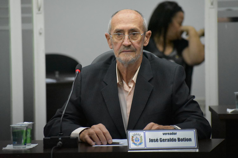 Vereador Botion pede informações de reservatório em Cascalho