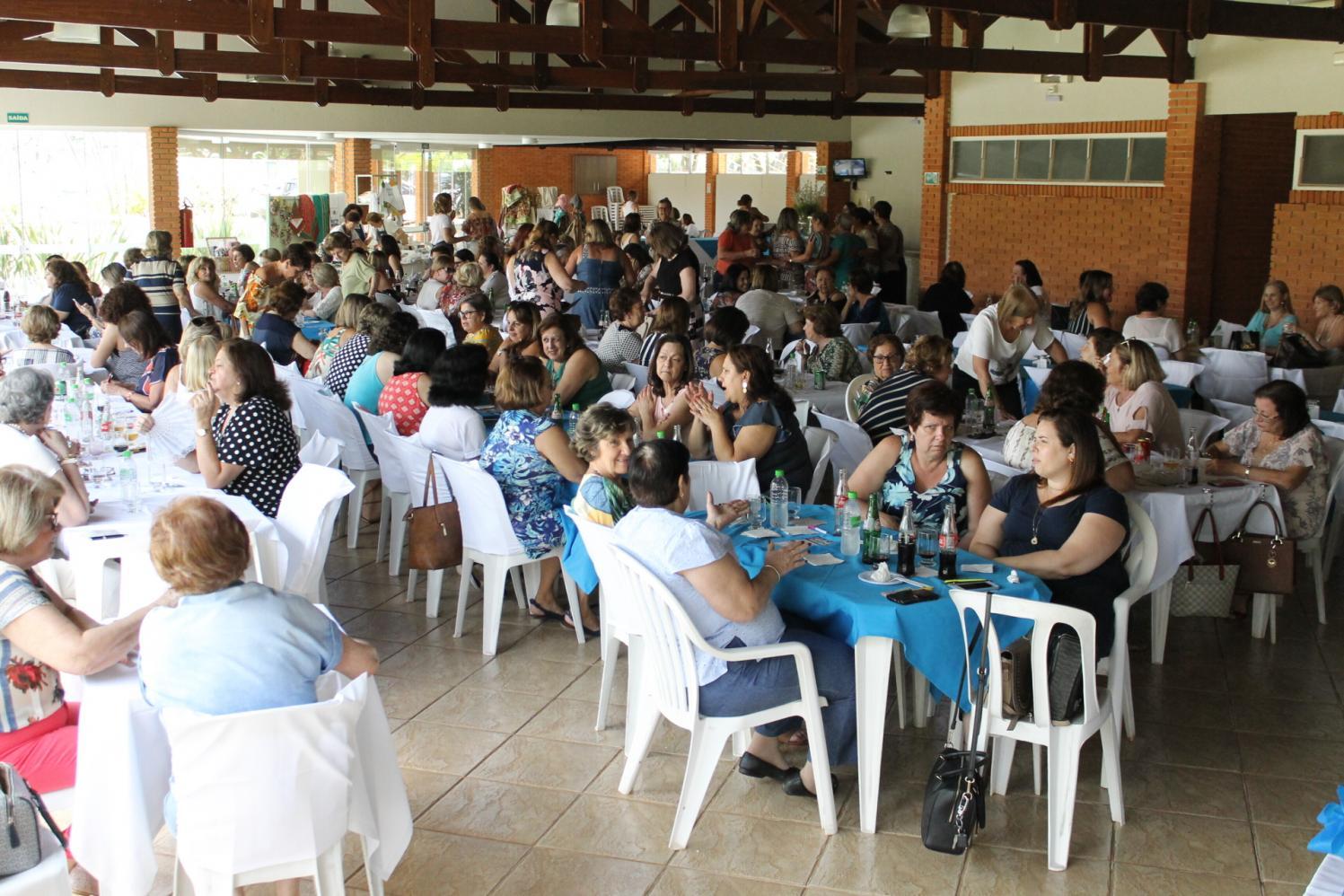 Voluntárias da Apae Limeira promovem
