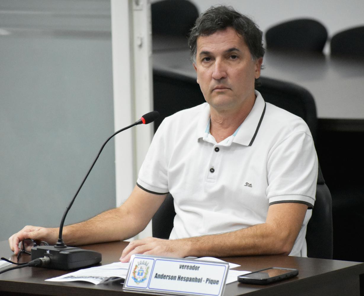 Moção de congratulações a professores, alunos e diretoras é aprovada em Cordeirópolis