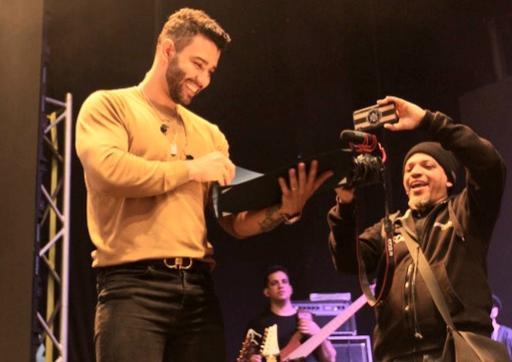 Gusttavo Lima realiza show em Newark nos EUA e é proclamado como Cidadão da cidade