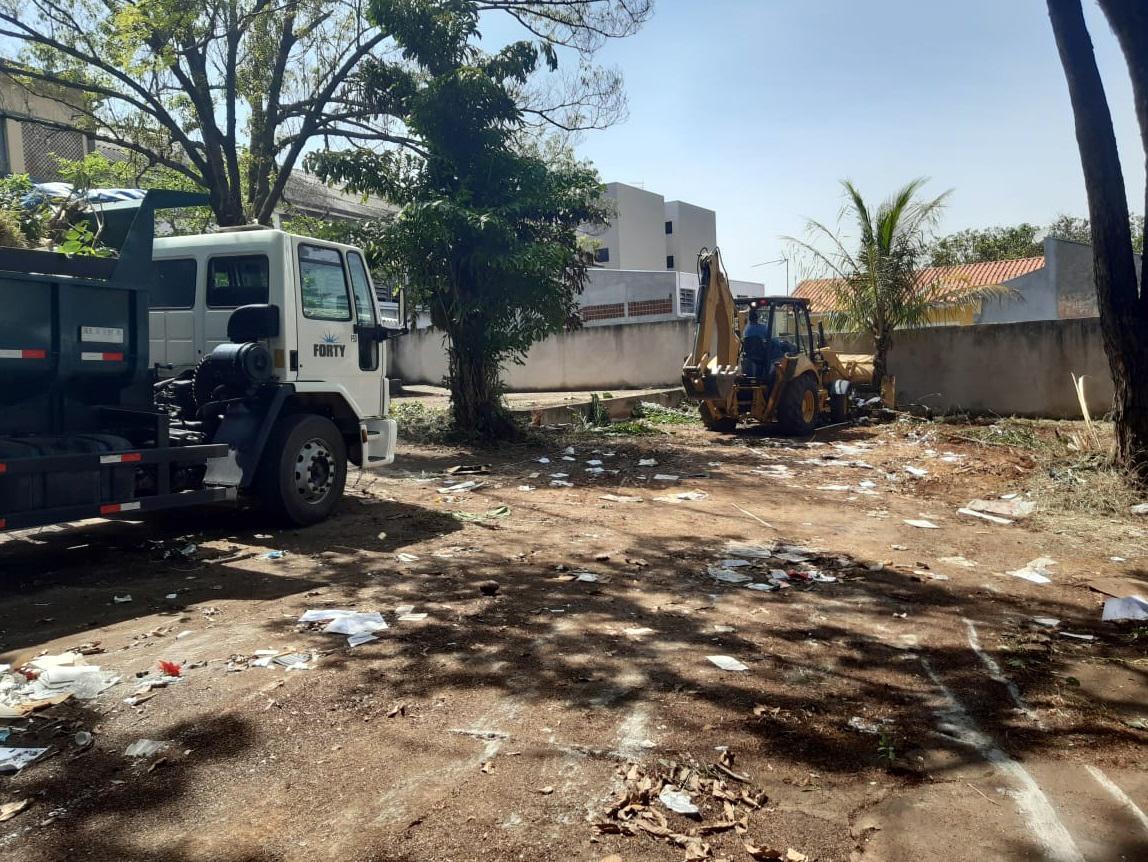 Ação contra dengue retira 39 toneladas de entulho em indústria desativada
