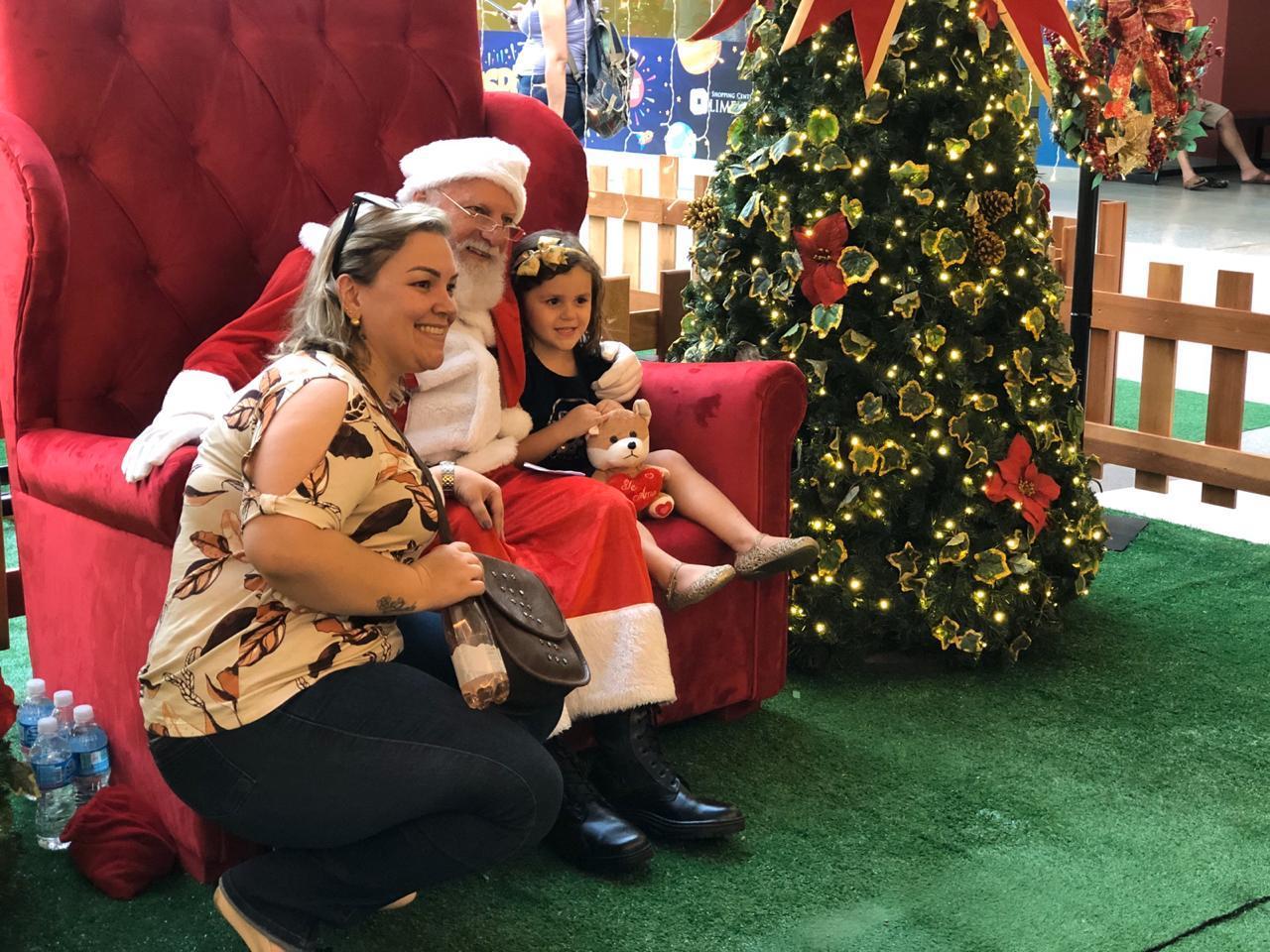 Limeira Shopping traz Papai Noel e inaugura decoração de Natal