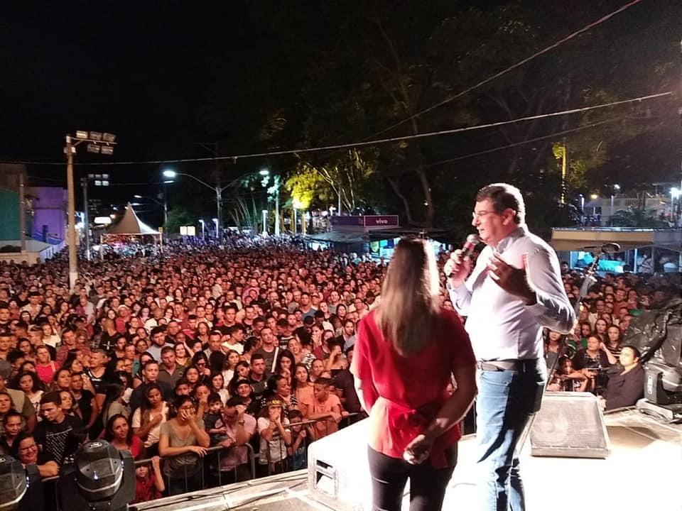 Fernandinho atrai mais de cinco mil pessoas para a Praça Central de Cordeirópolis