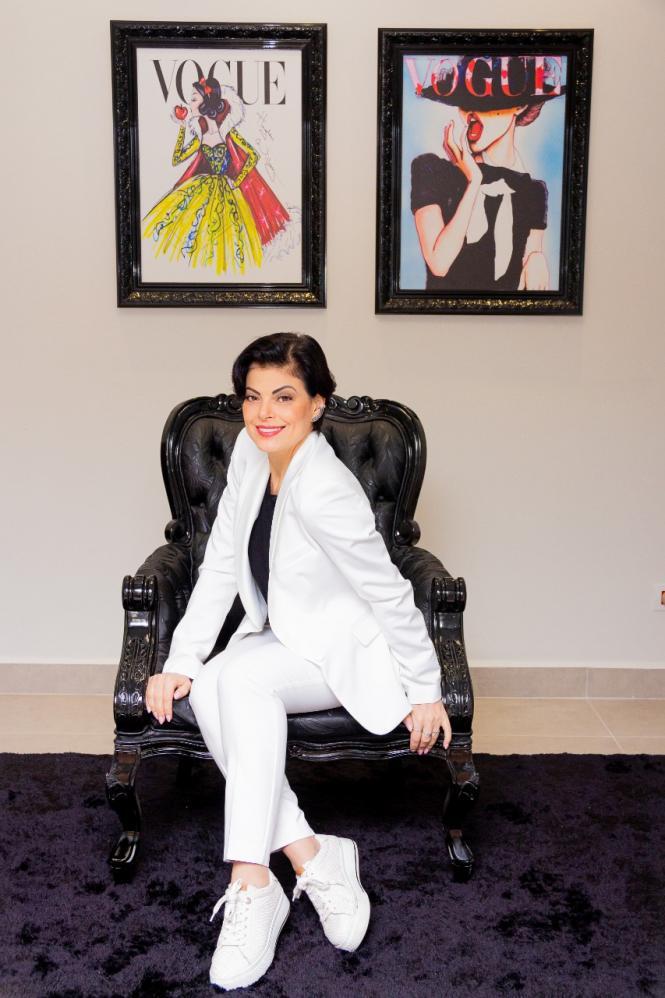 Inspirada em filme de cinema, empresária Thelma de Carlos faz sucesso no ramo da beleza