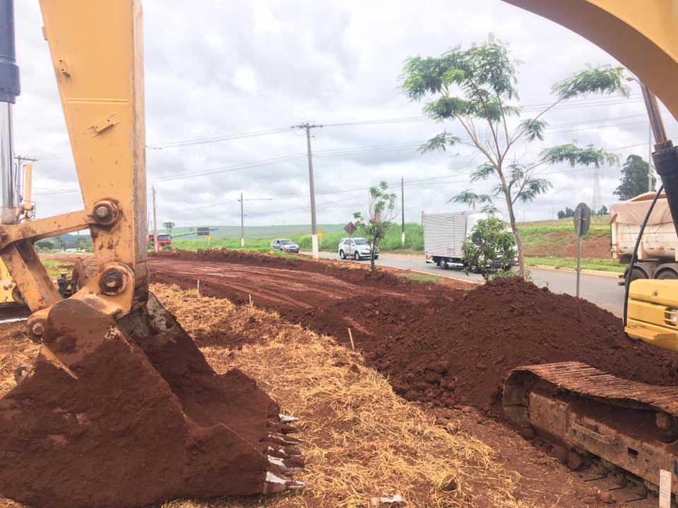 Readequação da rotatória próxima ao Jardim Paraty organizará o trânsito na região