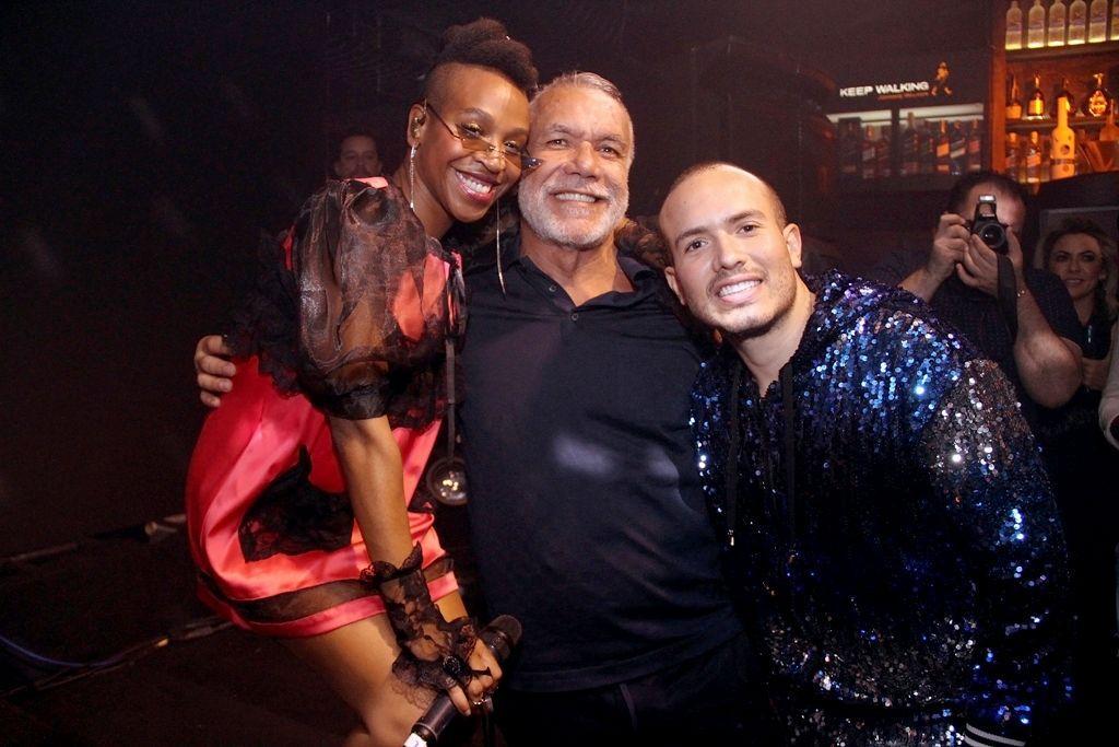 Karol Conká agita evento do Youtuber Júnior Pacheco com presença de famosos