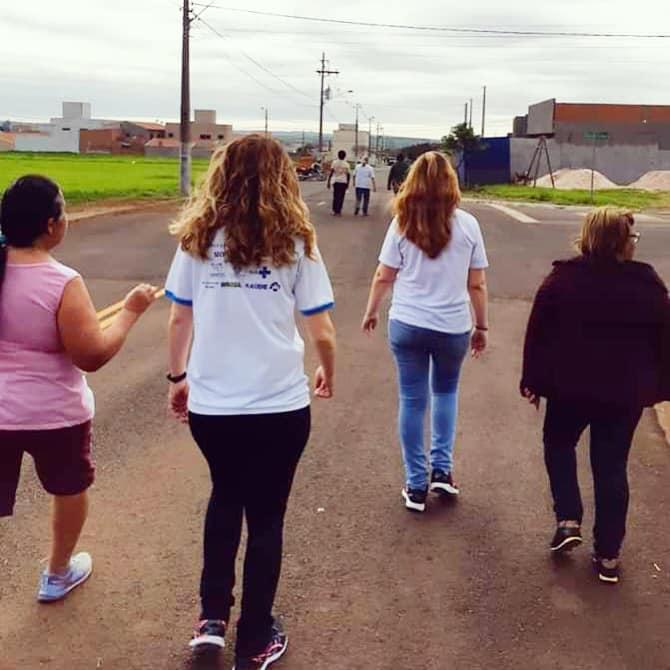 Secretaria de Saúde de Cordeirópolis promove programa com caminhada saudável nos bairros