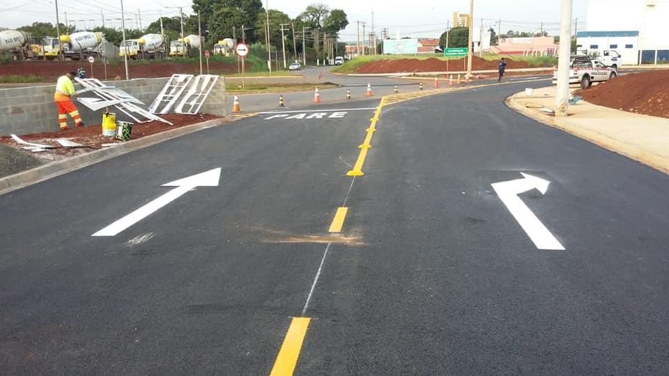 Rotatória próxima ao Jardim Paraty em Cordeirópolis ganha sinalização de trânsito