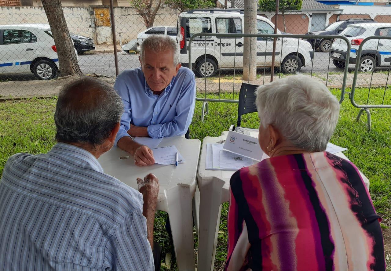 Prefeito no Bairro realiza 200 atendimentos em Limeira