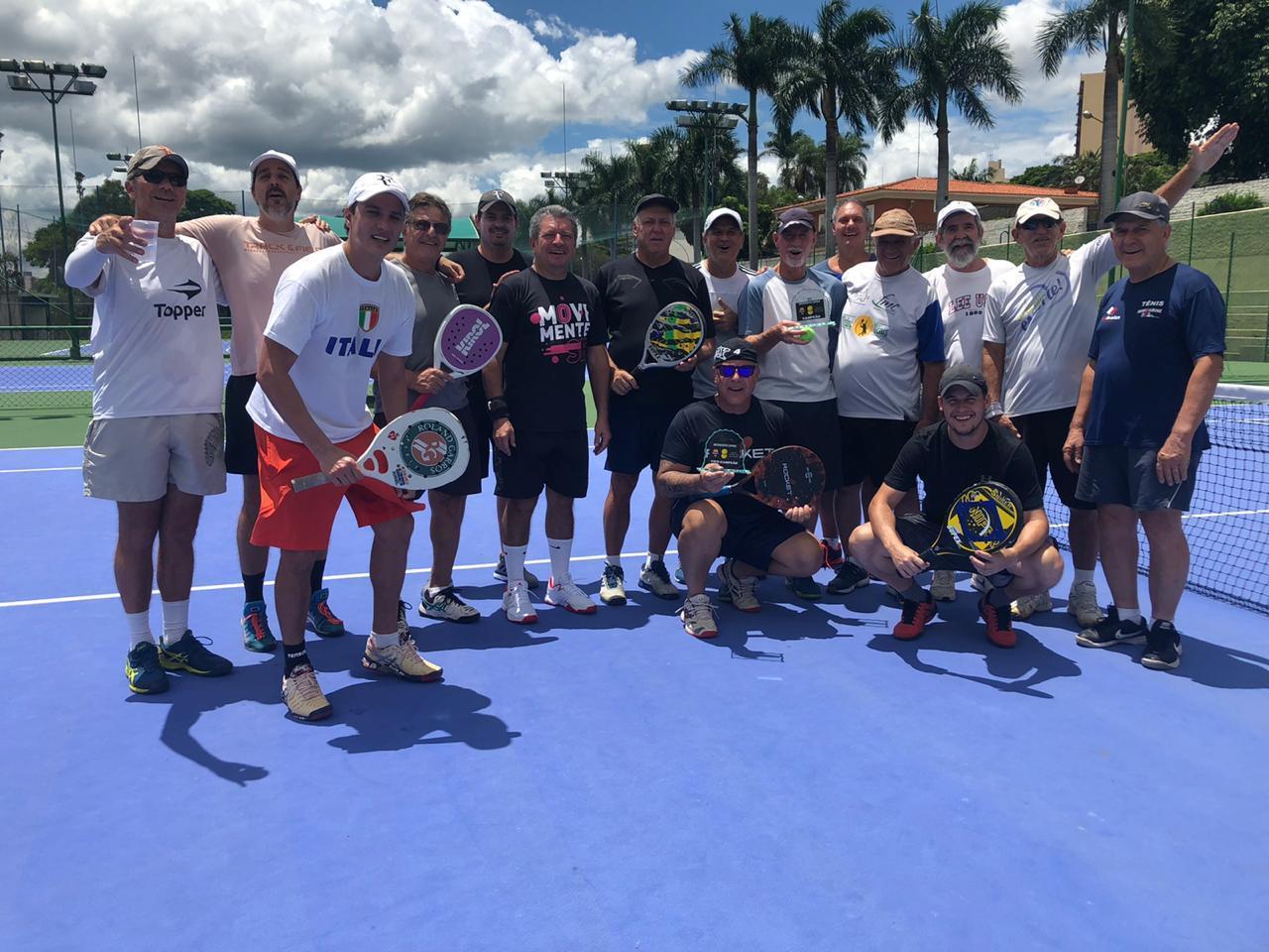 Tenistas nossoclubinos participam de torneio de duplas de raquetinhas