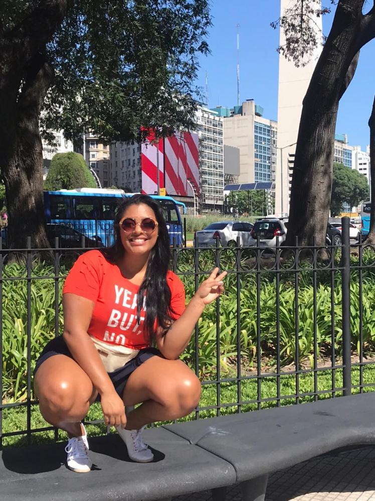 Apresentadora de TV aproveita miniférias em Buenos Aires e incentiva seguidores a correr atrás de seus sonhos