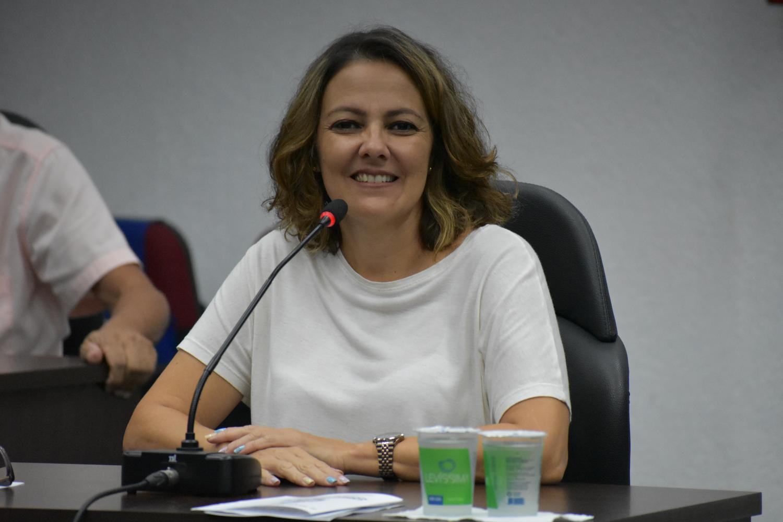 Vereadora de Cordeirópolis apresenta Moção pelo Dia Internacional das Mulheres