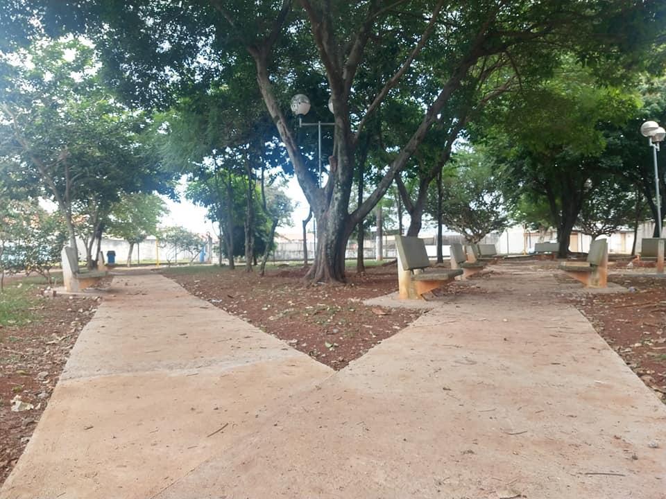 Prefeitura segue com reforma na Praça do Jardim Juventude em Cordeirópolis