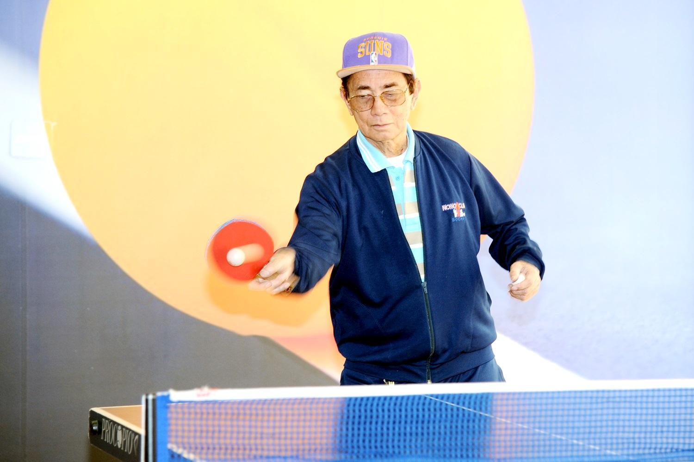 Quer mandar a bola de tênis de mesa a 110 km/h? Comece a treinar no Nosso Clube