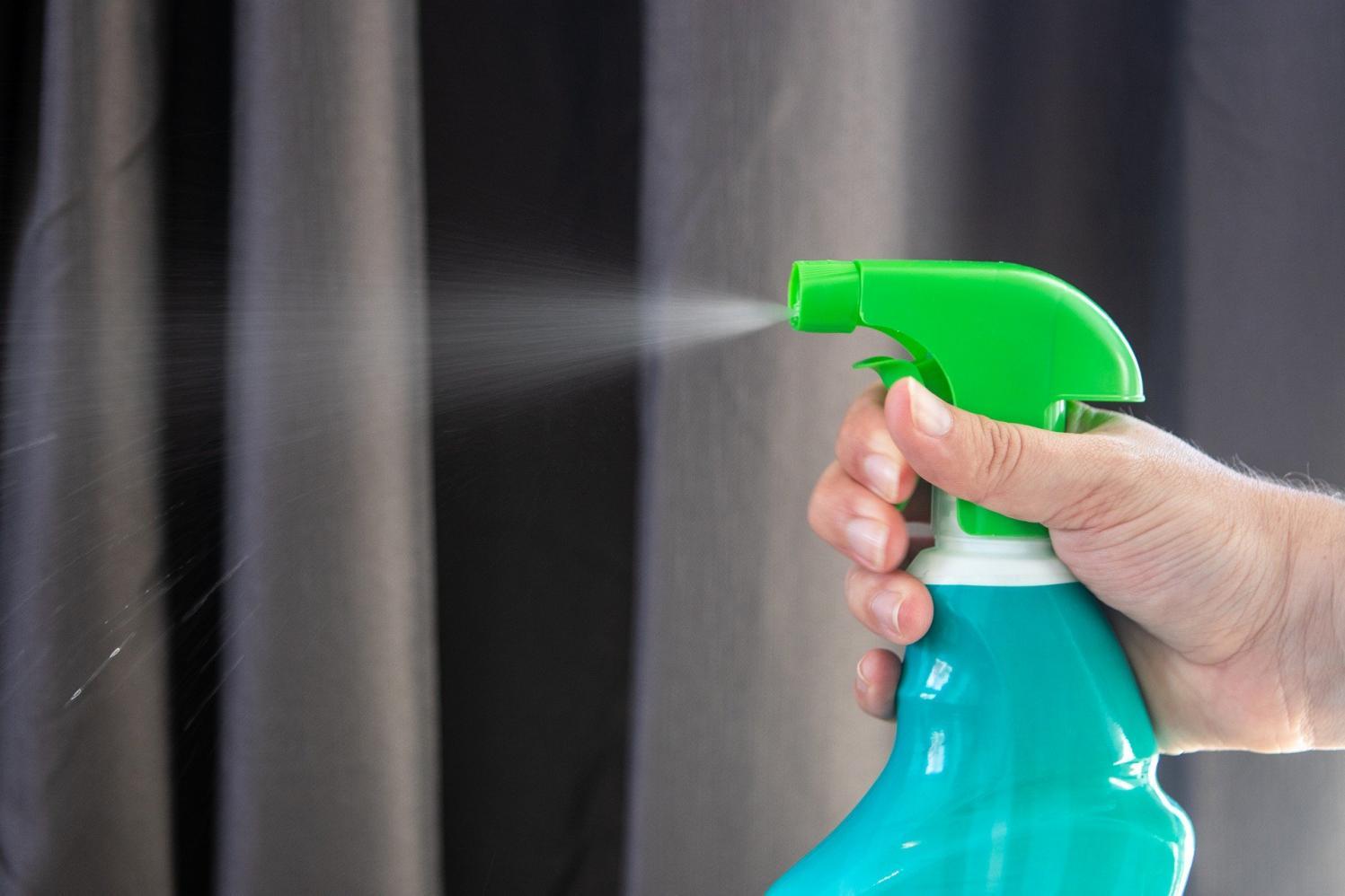 Na quarentena, materiais de limpeza têm aumento de 4673% no volume de compras pela internet