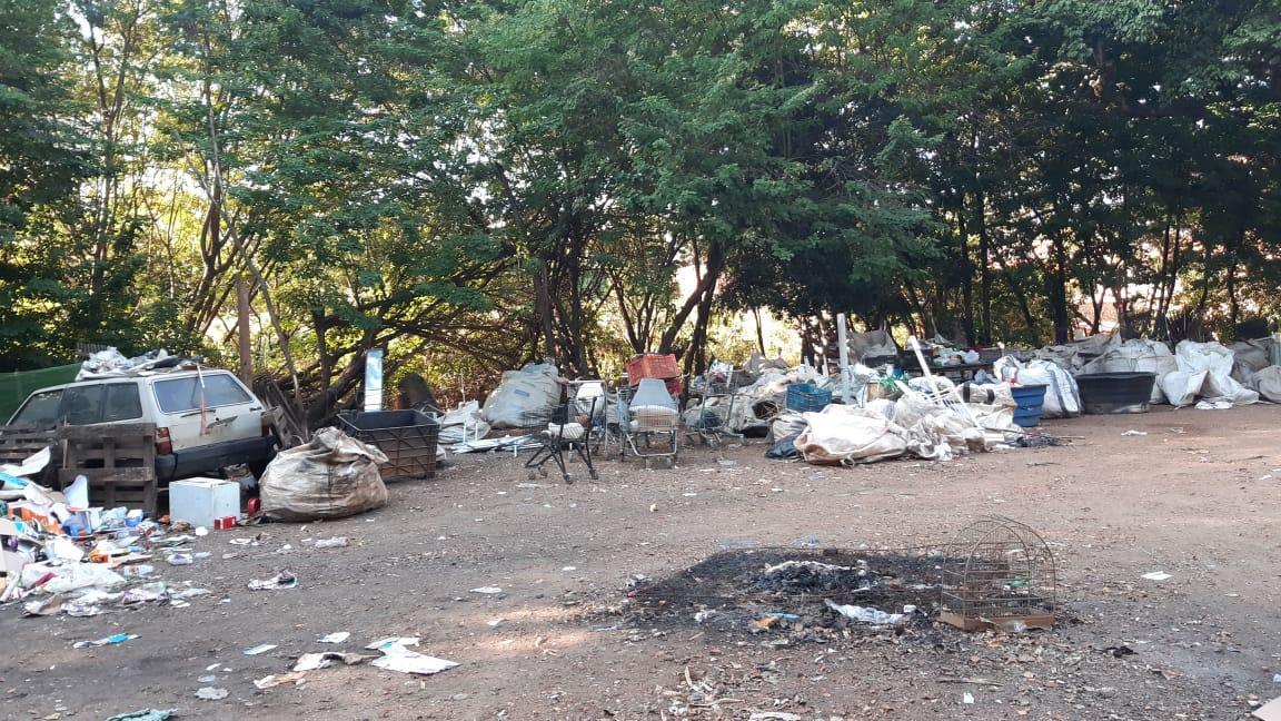 Prefeitura de Limeira manda fechar depósito irregular de sucatas