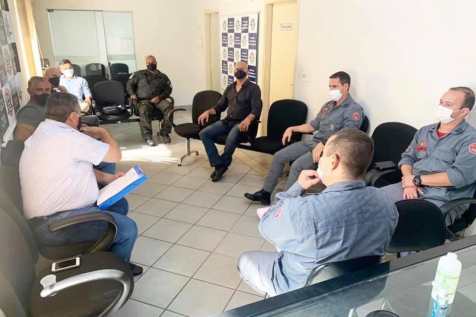 Reunião sela união de órgãos no combate à queimadas em Cordeirópolis