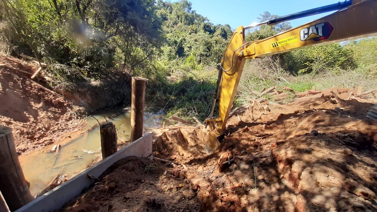 Prefeitura de Limeira reconstrói ponte no bairro Água Espraiada