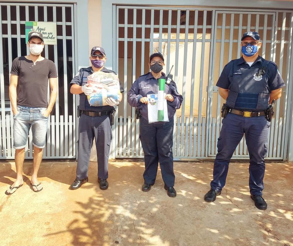 Prefeitura de Cordeirópolis entrega cestas básicas e material escolar para alunos em isolamento social