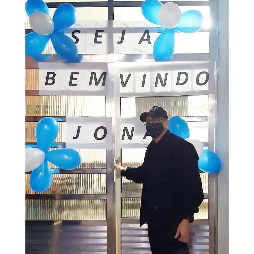 Curado do coronavírus, funcionário da Saúde de Cordeirópolis é recebido com festa