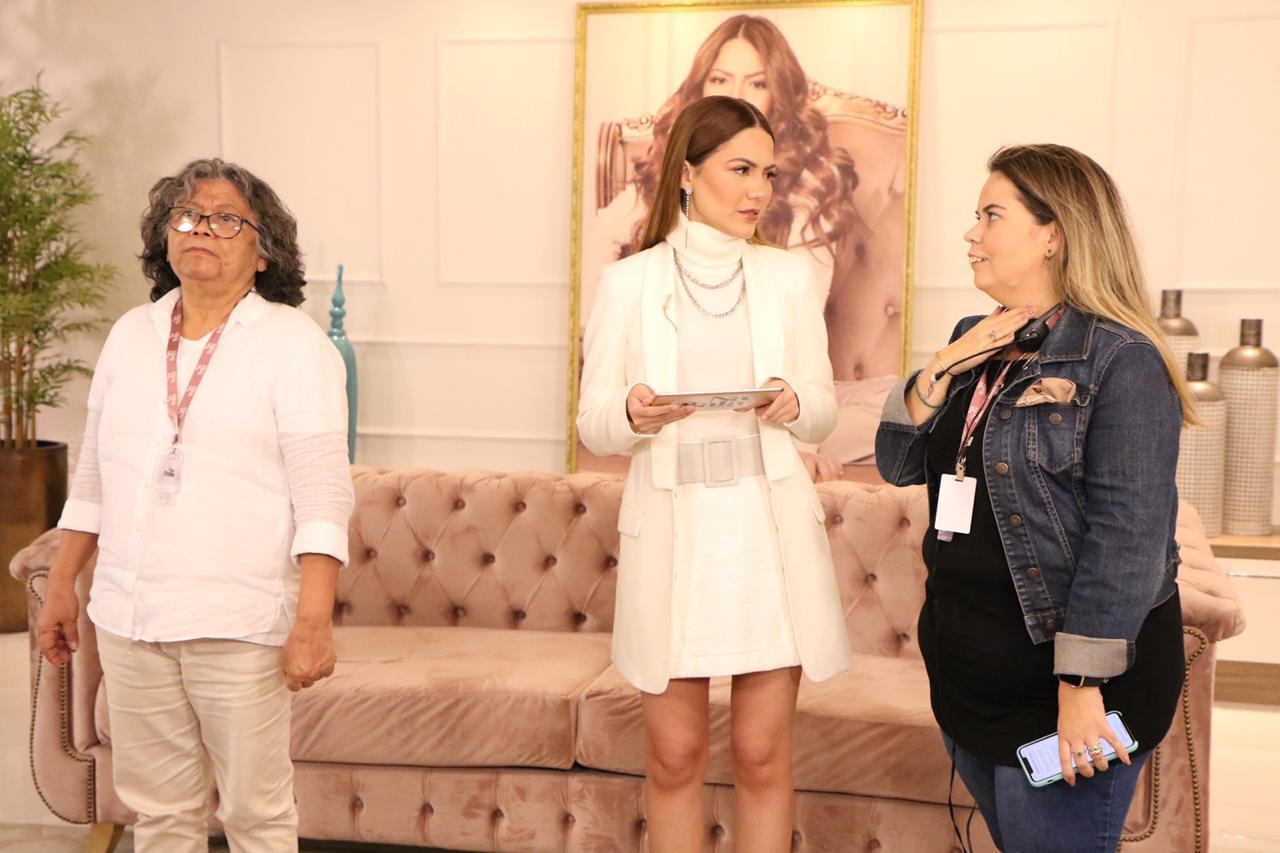 Sarah Poncio estreia na TV e tem como diretora Monik Macedo, a pupila de Marlene Mattos