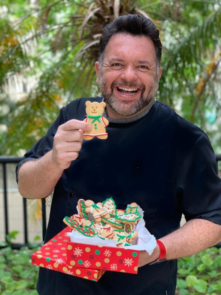 Chef pâtissier Flávio Duarte ensina receita de biscoitos natalinos que podem ser vendidos por até R$ 5,00