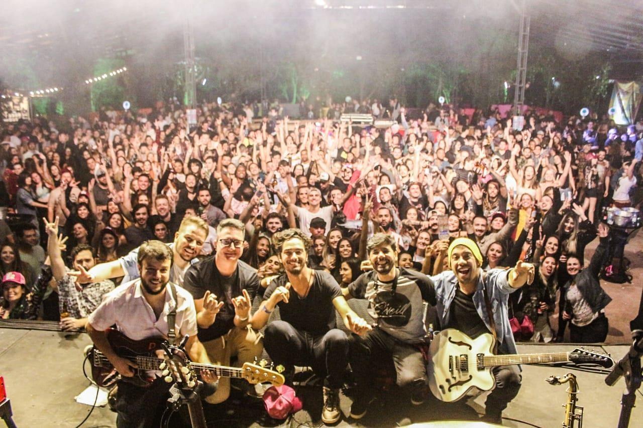 Banda Los Krocomilos apresenta show online nesta quarta-feira