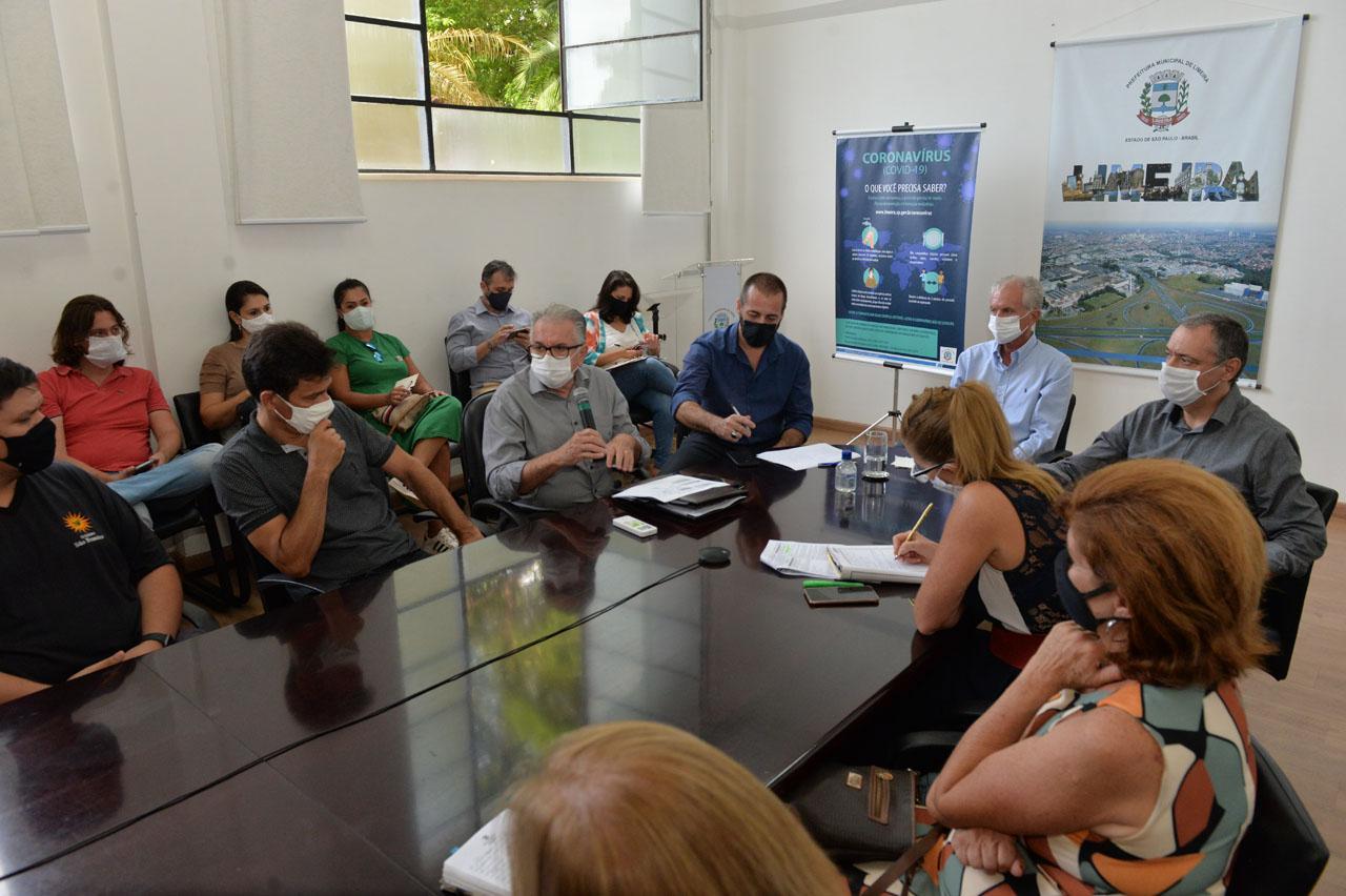 Prefeito de Limeira anuncia testagem de alunos