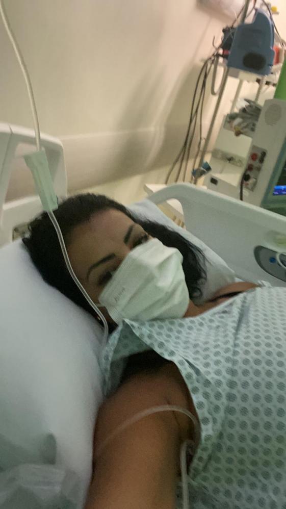 Após 35 dias internada, atriz Cinthia Santos, faz alerta de Covid: