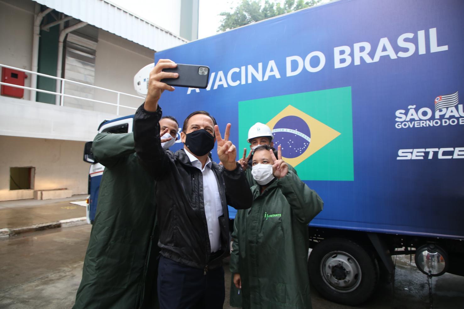 Governo de SP começa a distribuir segundo lote de vacinas do Butantan para o Brasil