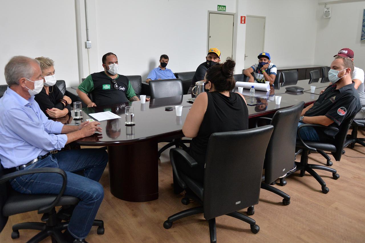 Restaurantes e Similares: Prefeito de Limeira recebe representantes e diz que fará gestão política no Estado