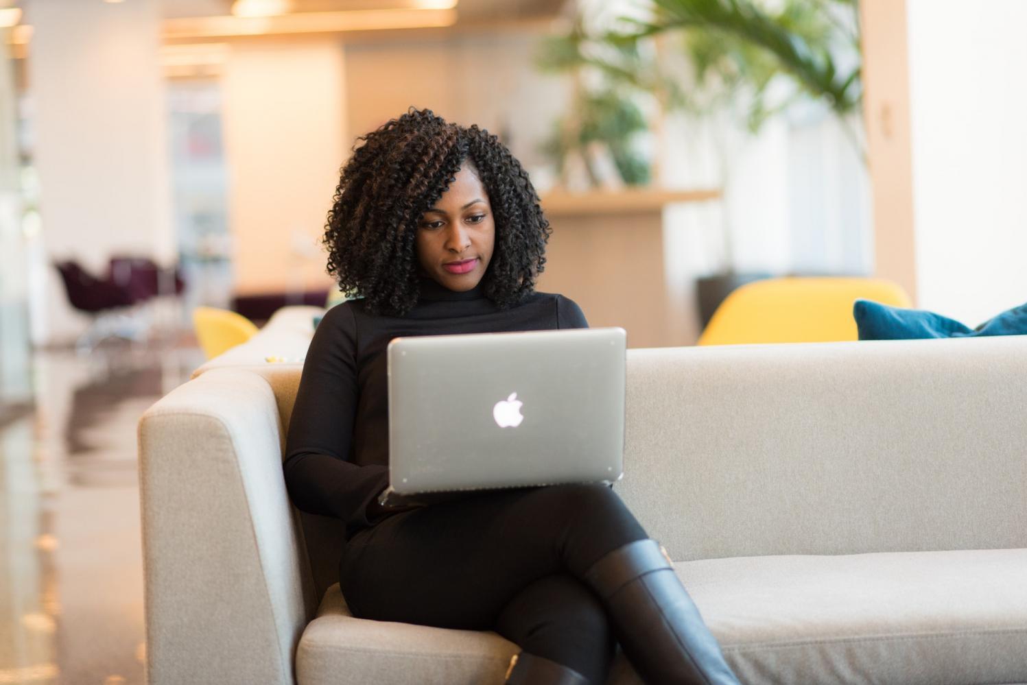 Pequenas e médias empresas pretendem aumentar presença online em 2021