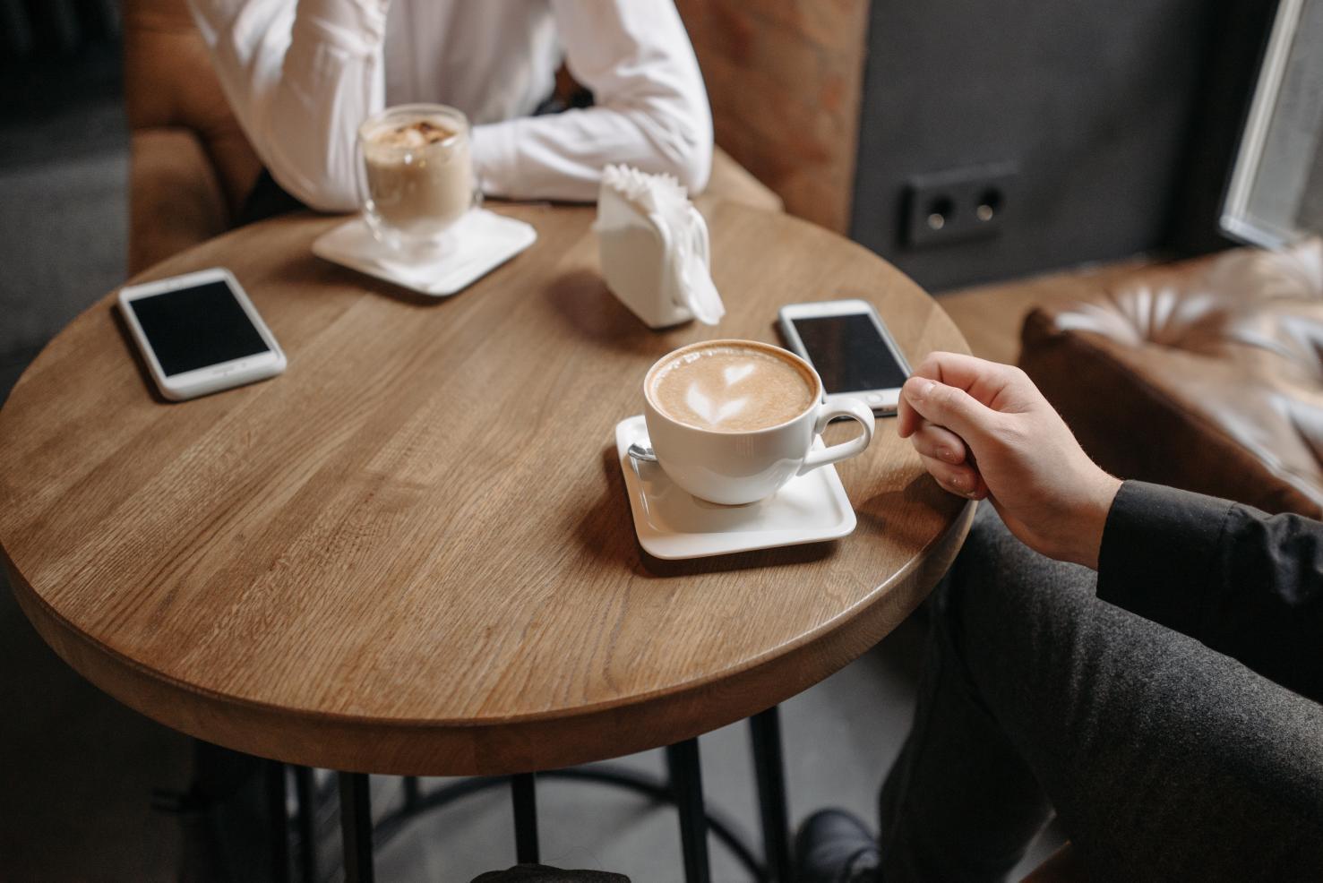Café causa mau hálito?