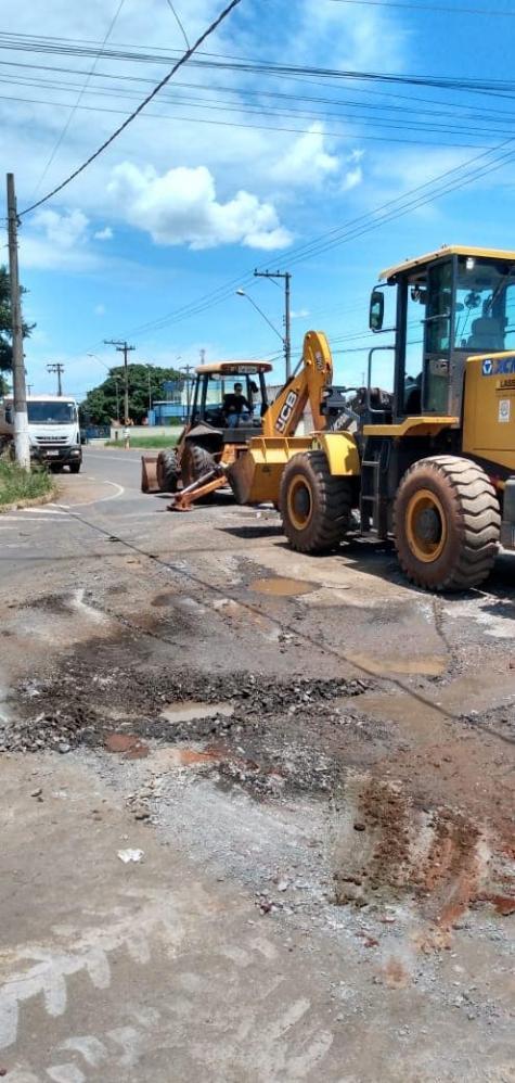 Prefeitura de Cordeirópolis realiza manutenção na Avenida Aristeu Marcicano