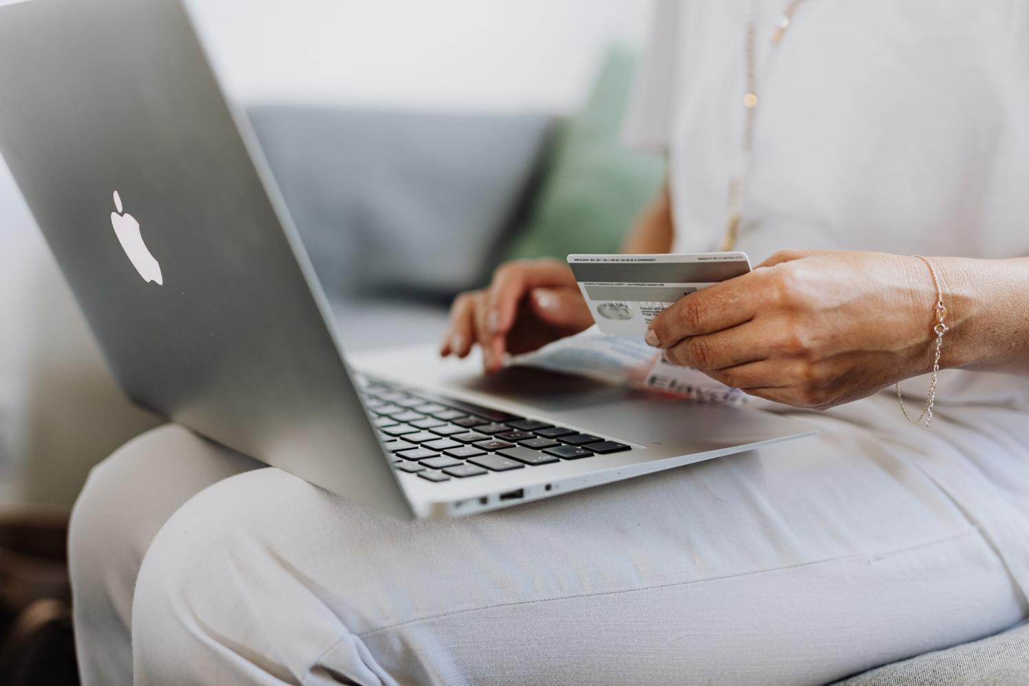 E-commerce deve crescer 18% em 2021, aponta Neotrust/Compre&Confie