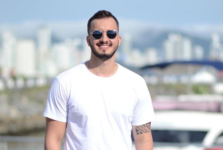 Marcos Cambrais grava em Balneário Camboriú clipe de