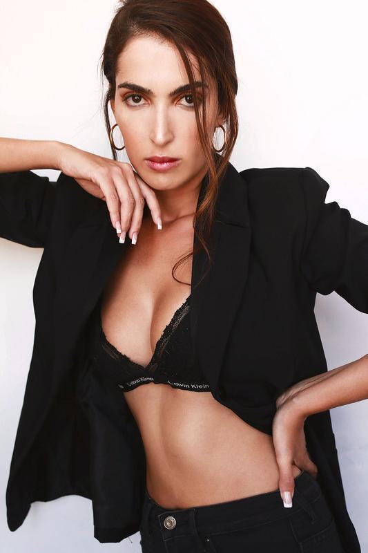 Modelo internacional ensina como ter o guarda-roupa ideal para você