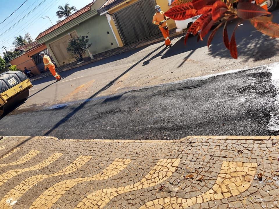 Prefeitura de Cordeirópolis realiza força tarefa para recapeamento do asfalto e tapa-buraco