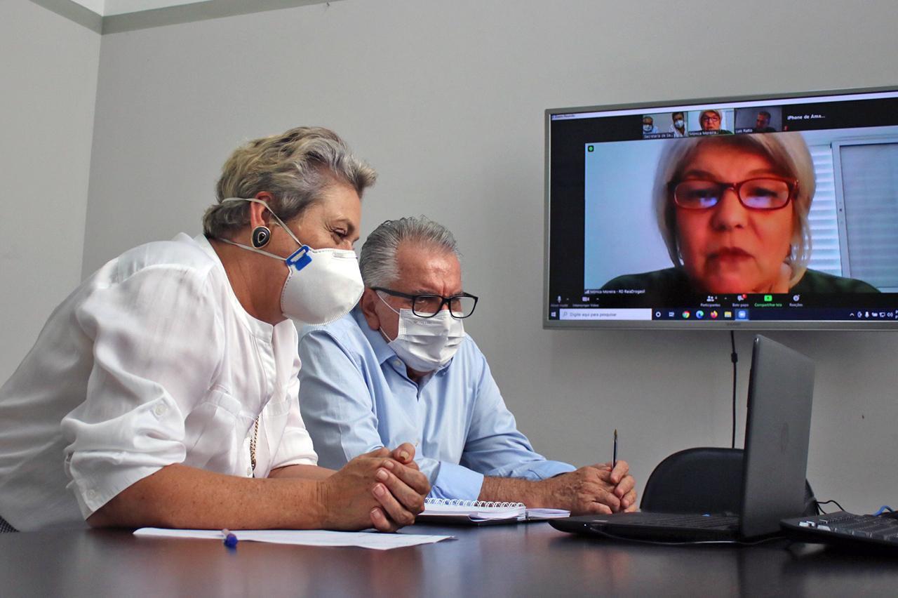 Rede Droga Raia procura vice-prefeita de Limeira para oferecer pontos de vacinação contra a Covid-19