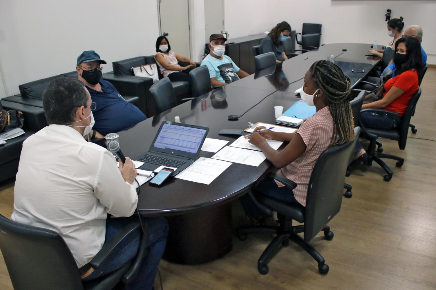Conselho de Saúde discute vacinação contra a Covid-19 em Limeira