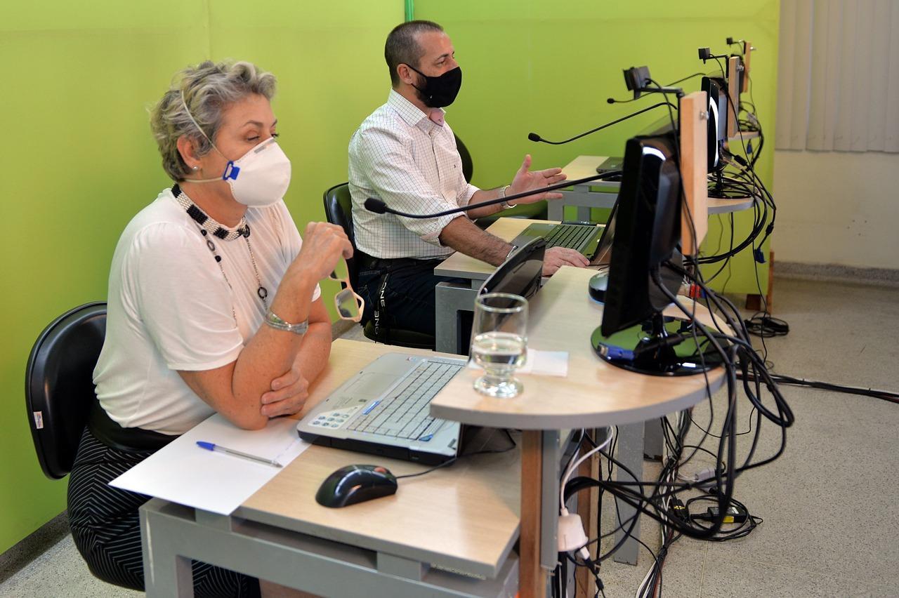 Limeira começa a vacinar profissionais da educação nesta semana